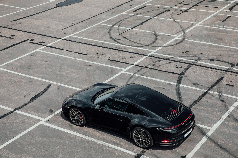 Basti_Kaspar-Automotive-Porsche-911-992-drift