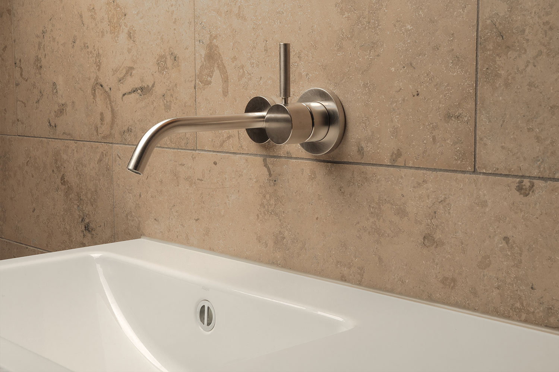 Basti_Kaspar-architecture-bathroom-alexander-brenner