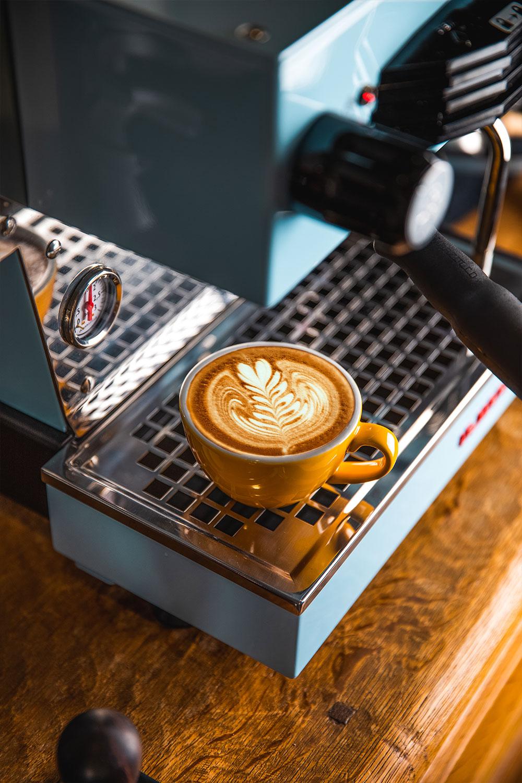 Basti_Kaspar-food-coffee-lamarzocco-latteart
