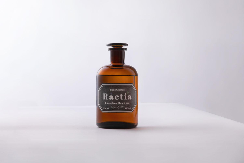 Finegeist-Gin-Bottle-Photography-Basti-Kaspar