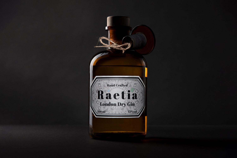 Raetia-Finegeist-Gin-Produktfotografie-Basti-Kaspar-Stuttgart