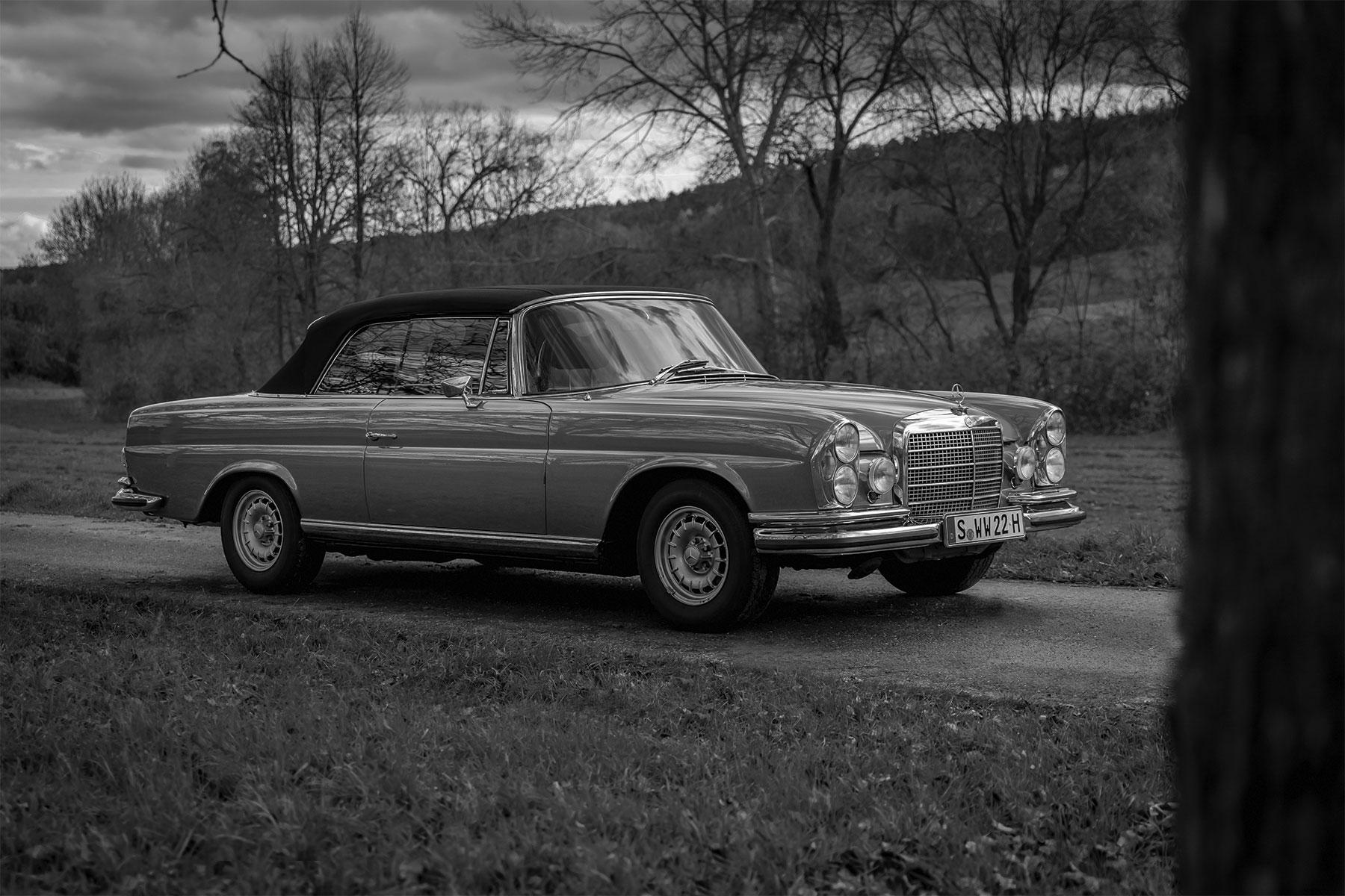 Mercedes Benz 280 SE Oldtimer Fotografie Automotive Stuttgart Basti Kaspar schwarzweiss